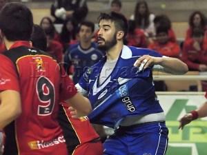 Gonzalo Caró  con Teucro en su partido jugado en Huesca / Foto: Pascual