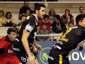 Val en el partido jugado esta temporada frente a BM Huesca / Foto: C.Pascual