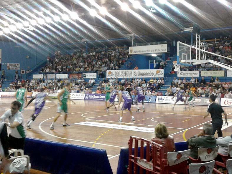 Momento del partido jugado en Palencia / Foto: CB Peñas