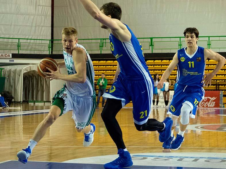 Momento del partido jugado en tierras gallegas / Foto: CB Ourense