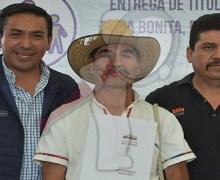 Entregan Títulos de Propiedad en Loma Bonita, Pedro Escobedo