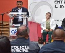 Entrega Amarildo Bárcenas incentivos a policías de Escobedo