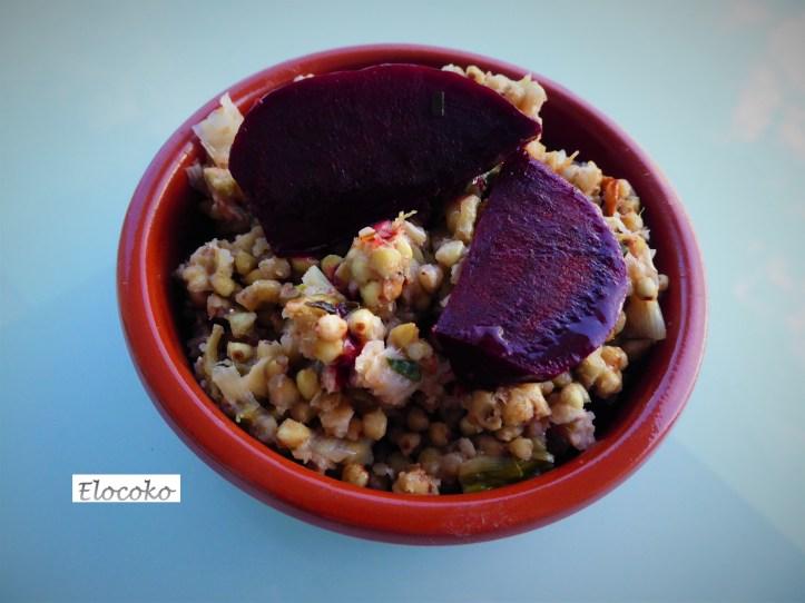 Pilaf de sarrasin au parmesan, aubergines et betteraves rôties