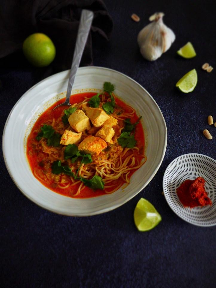 soupe poulet curry rouge coco et nouilles