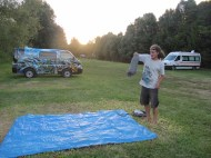 notre tache quotidienne: montage et démontage de tente!