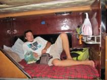 Le bus de nuit pour Pakse ...totalement adapté à la taille des Européens comme vous pouvez le constater!