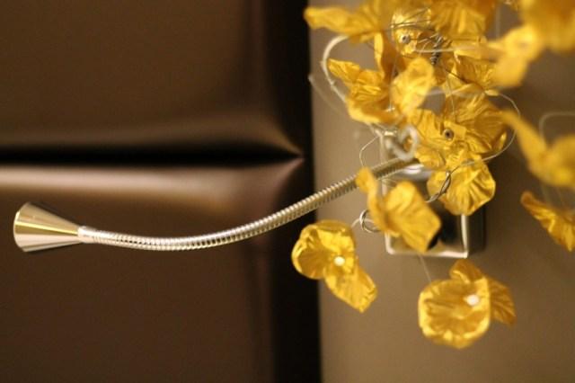 lampe fleurs hotel
