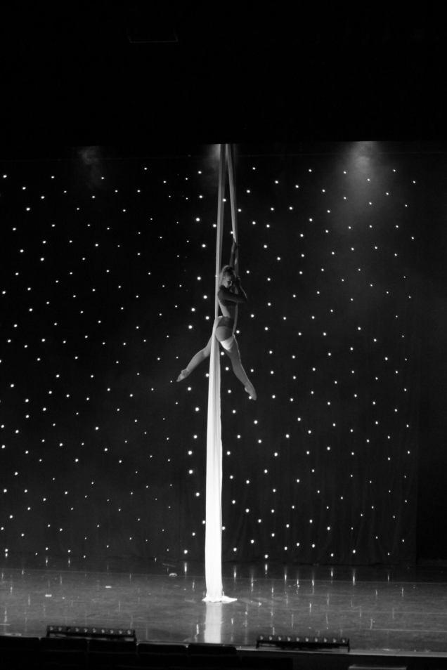 Tissu aérien, Piano, Théâtre de Longjumeau, événement cirque