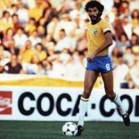 Fútbol y política: el Dr. Sócrates, el jugador que murió dos veces