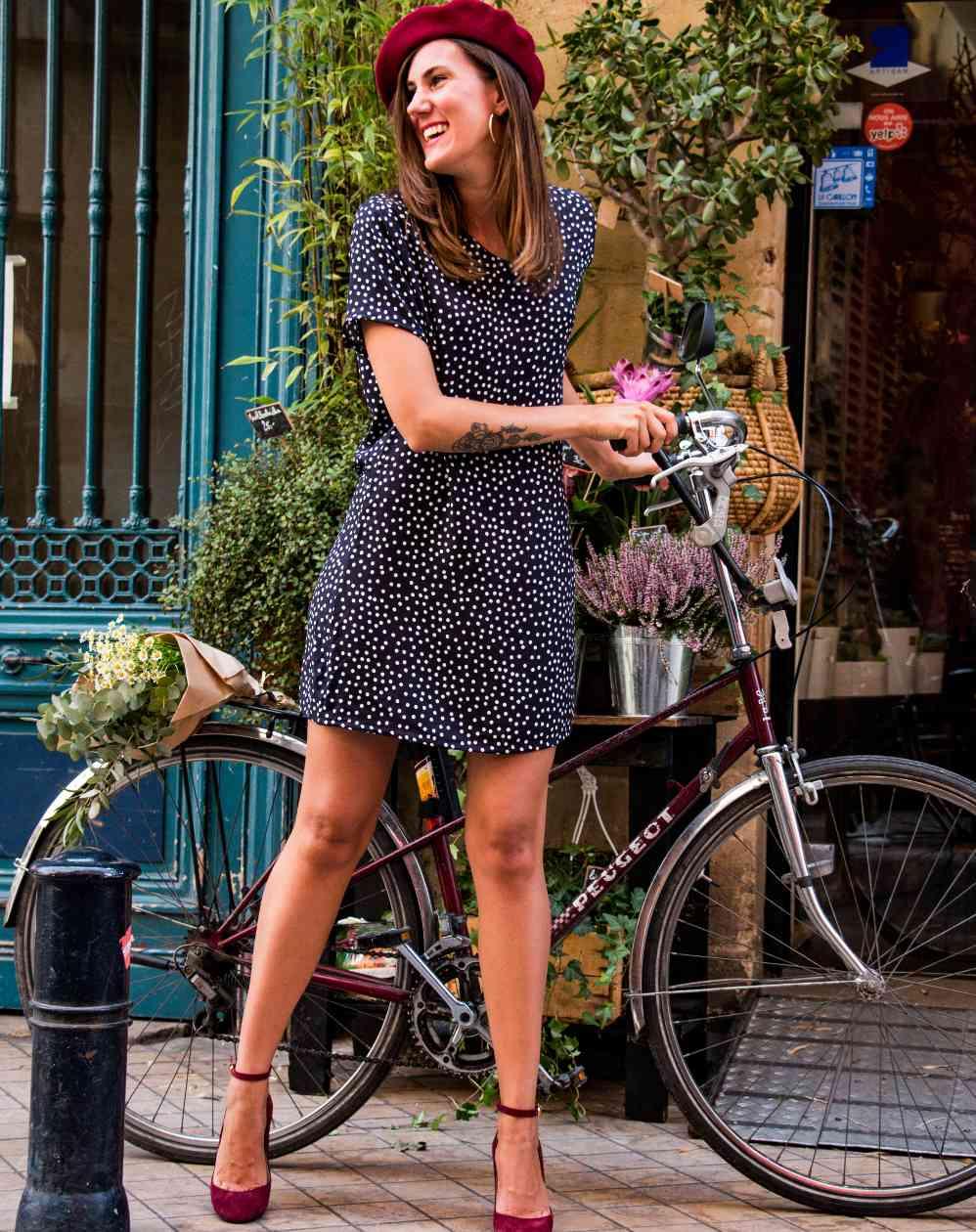 Aatise, la mode éthique écologique et durable made in France ! Robe droite Zelda polka dots pois noire