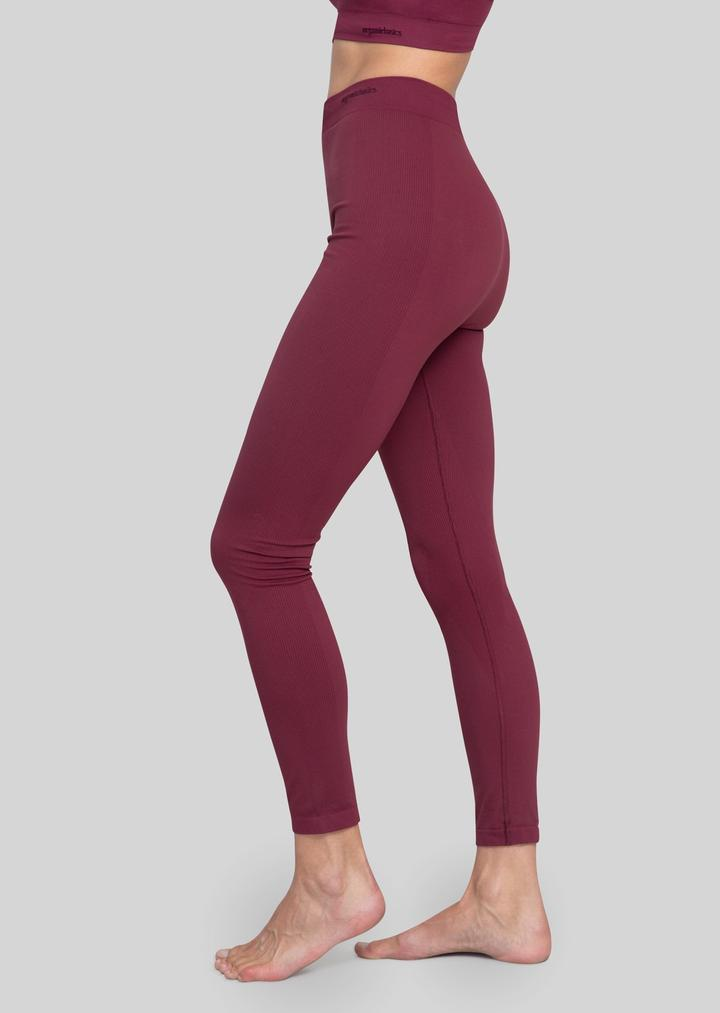 Yoga green : les plus belles marques de vêtements et de tapis de yoga écologiques et éthiques ! #yoga #yogafrance #franceyoga #tapisdeyoga #yogamour #modeéthique #onestpret #ilestencoretemps #developpementdurable
