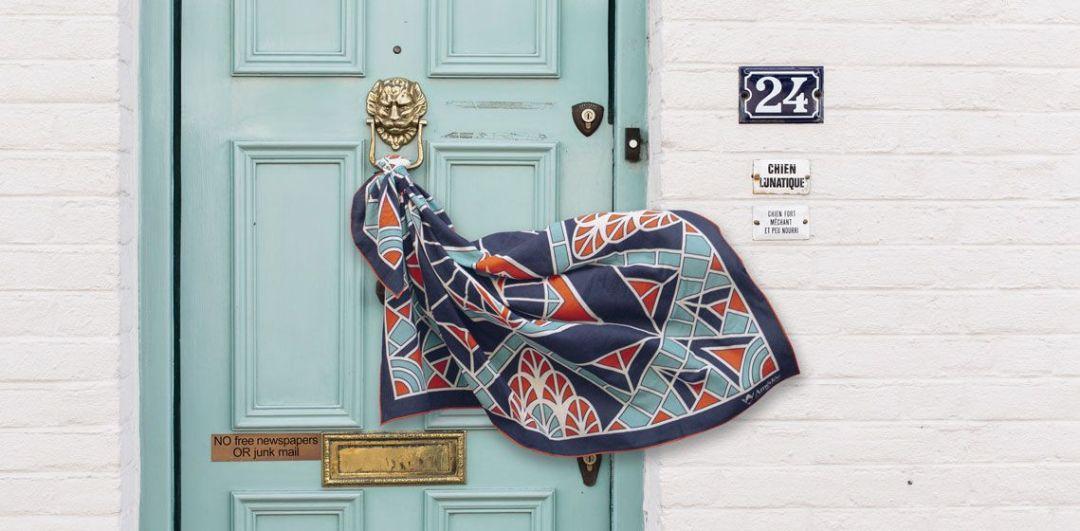 Amédée 1851, Carrés, écharpes et foulards en laine Mérinos éthique et écologique made in France, dans un style art déco ! #artdeco #madeinfrance #elegance #foulard #scarf #écharpe #étole #luxe #mode #modefemme