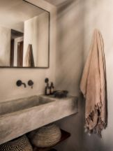 Easy Bathroom Makeover Inspirations with Cheap Decoration and Accessories Part 41