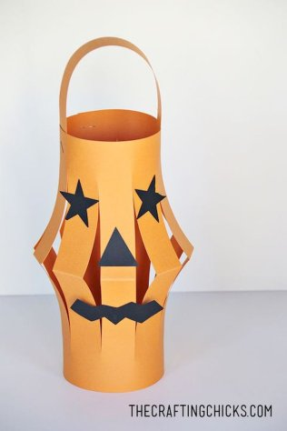Easy Halloween Crafts and DIY halloween decoration for kids and toddler Part 85