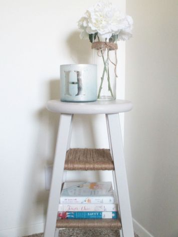 Easy tricks for Nightstand makeover ideas that will makeup the bedroom design Part 68