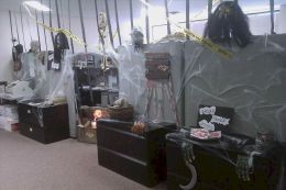 Inspiring Decoration Ideas of Halloween Cubical Office (34)