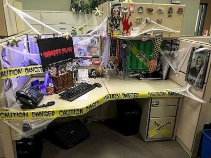 Inspiring Decoration Ideas of Halloween Cubical Office (69)