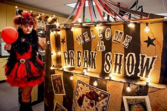 Inspiring Decoration Ideas of Halloween Cubical Office (71)