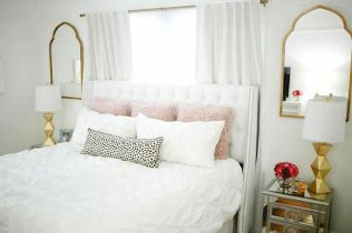 Most Wanted White Bedroom Decorating Ideas in Classy Finish Part 11