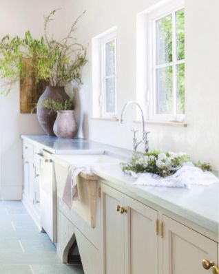 Neutral Kitchen Color That Looks Very Friendly and Savvy Part 23