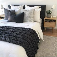 Comfortable Master Bedroom Concept With Affordable Decoration Part 1