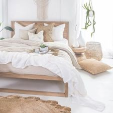 Comfortable Master Bedroom Concept With Affordable Decoration Part 18