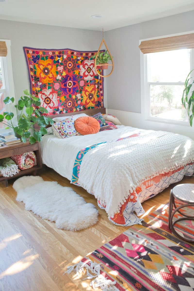 Relaxing Bedroom Feel with Natural Touch of Greenery Decorations Part 24