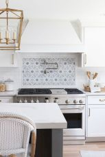 Stunning Kitchen Backsplash Ideas for Neutral Color Kitchen Designs Part 57