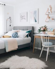 Warm Cozy Bedroom with Beautiful Rug Decoration Part 32