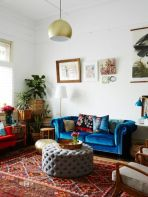 Amazing ideas of cushions as beautiful decoration to enhance living room refreshing atmosphere Part 12
