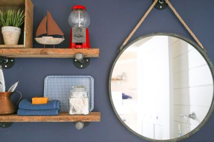DIY bathroom shelves from wood pallets that improve bathroom looks Part 7