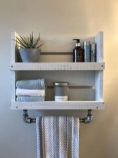DIY bathroom shelves from wood pallets that improve bathroom looks Part 9