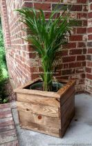 DIY planter boxes made from reclaimed woods and pallets excellent for outdoor and indoor decoration Part 10