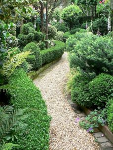 Exotic traditional style of graveled garden walkways that add more natural vibes in your garden designs Part 22