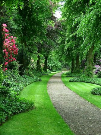 Exotic traditional style of graveled garden walkways that add more natural vibes in your garden designs Part 28