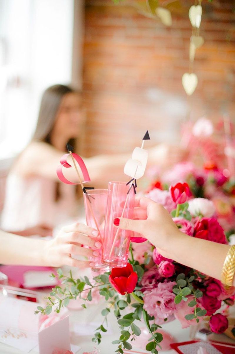 Lovely Table Decoration for Valentine Wedding Theme Part 27