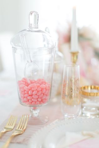 Lovely Table Decoration for Valentine Wedding Theme Part 30