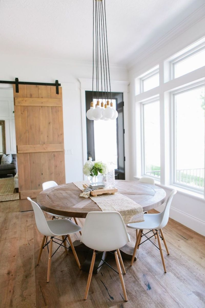 Modern Coastal Home Designs with Traditional Dining Room Twist Part 18
