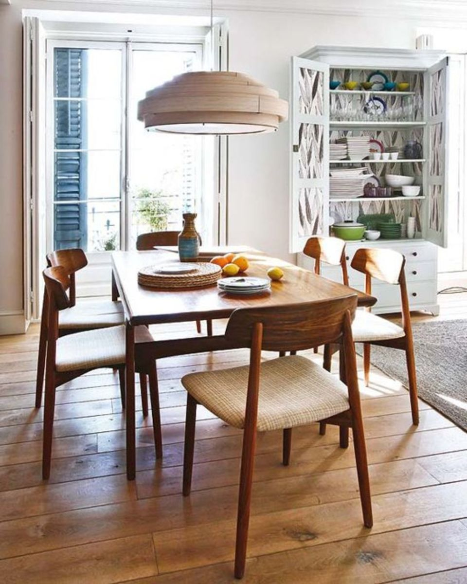 Modern Coastal Home Designs with Traditional Dining Room Twist Part 22