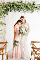 Romantic Spring Wedding Decoration with Green Peach and Cherry Pink Color Themes That Look Very Lovely Part 24