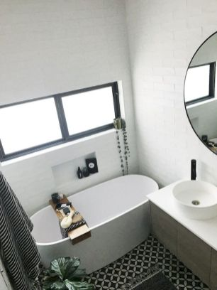 Small standing tubs powerful to make up small bathroom looks Part 14