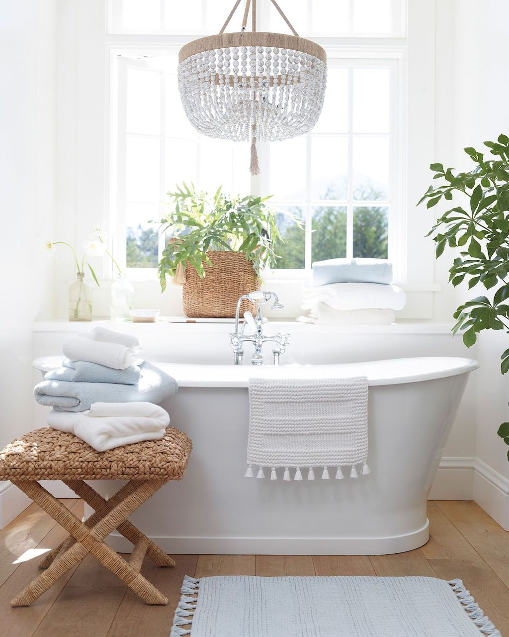 25 Small Standing Tub Designs For Tiny Spaces