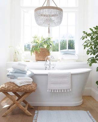 Small standing tubs powerful to make up small bathroom looks Part 15
