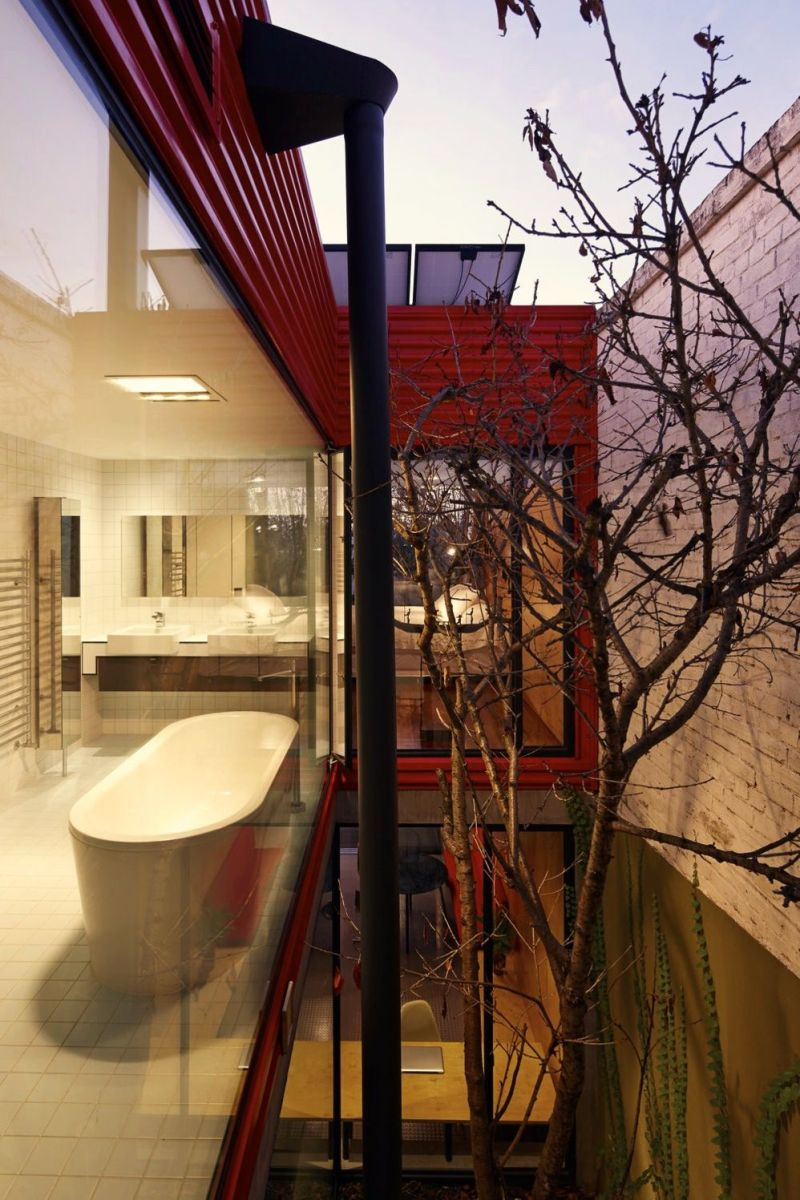 Modern house concept maximizing narrow area with brilliant spatial distribution strategy Moor House (7)