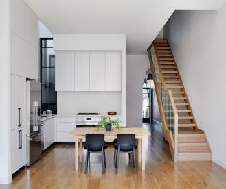 Australian terraced house renovation to give spacious indoor vibrancy in harmonious tones (3)
