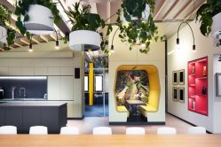 Creative office concept created for dynamic and effective working space (4)