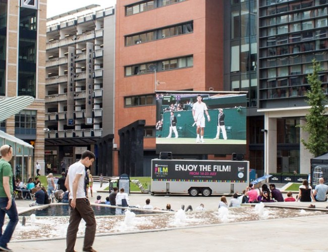 Big Screen to Serve Up an Ace for Tennis Fans