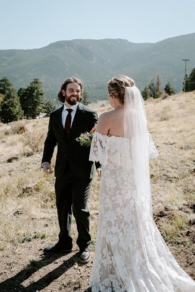 Courtney13-Lynn-colorado-adventure-elopement-packages-destination-wedding-photographer-estes-park-elope-veil