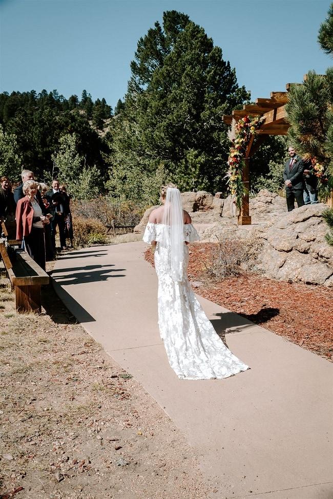 Courtney26-Lynn-colorado-adventure-elopement-packages-destination-wedding-photographer-estes-park-elope-guests