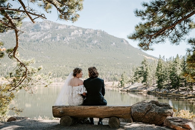 Courtney51-Lynn-colorado-adventure-elopement-packages-destination-wedding-photographer-estes-park-elope-bench